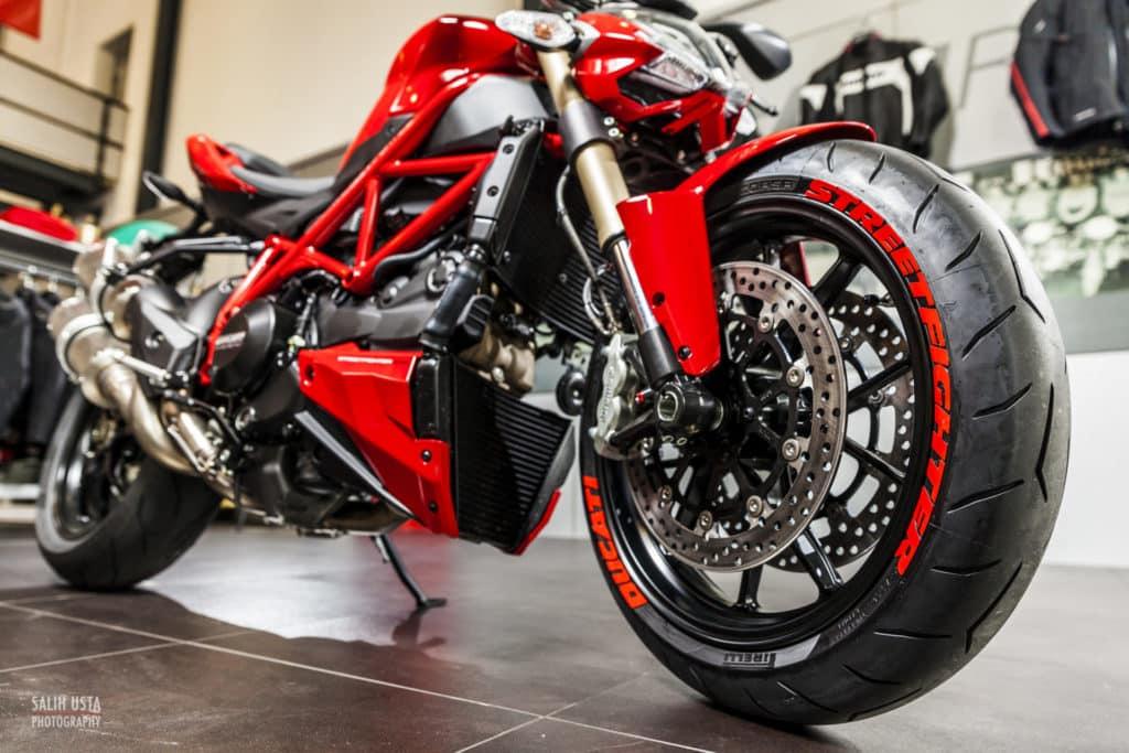 Ducati-Frankfurt-Reifenaufkleber